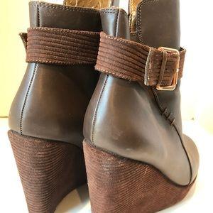 Matt Bernson Shoes - Matt Bernson Brown Corduroy Wedges